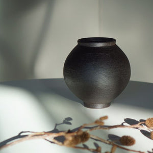 Black Clay Moon Jar
