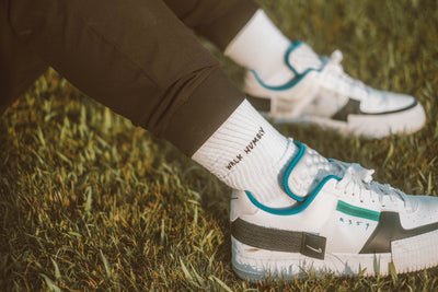 walk humbly socks - white