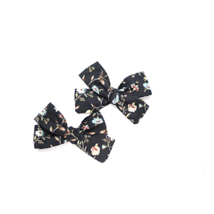 Open image in slideshow, Black Floral Hair Bow