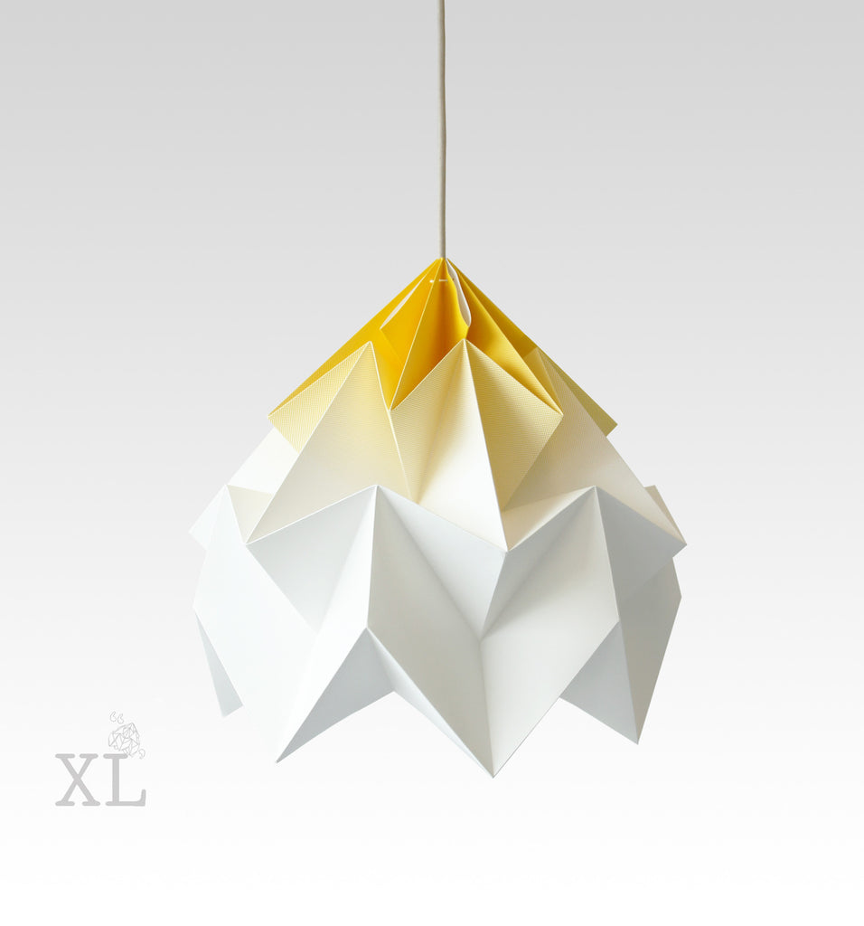 Snowpuppe  - Moth XL Gradient - gold yellow