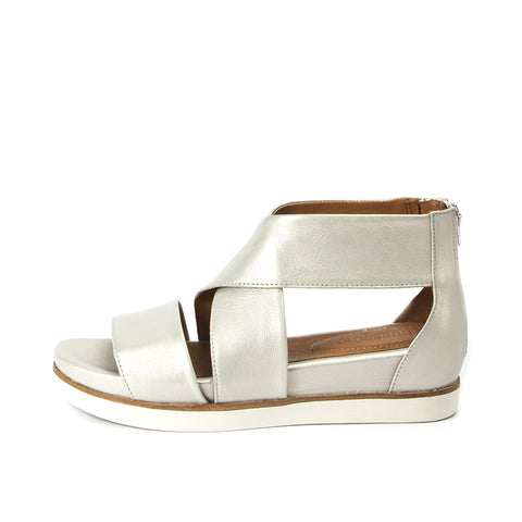 Potsdam Metallic Wide Straps Sandals (Oyster)