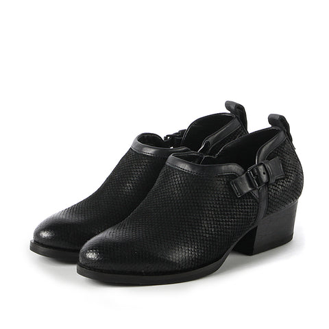 Alameda Strap Shooties (Black)