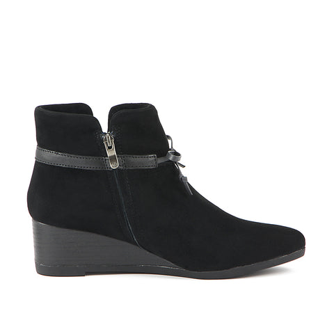 Weyburn Bow Ankle Boots (Black)