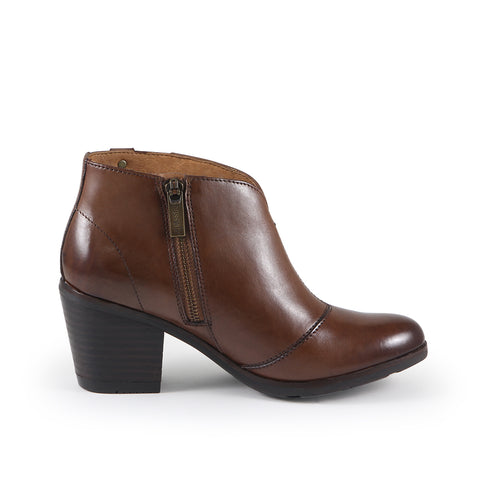 Reikiavik V-Neck Ankle Boots (Luggage)