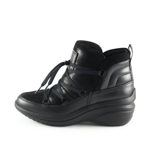 Yokohama High-Top Lace-Up Sneakers  (Black)