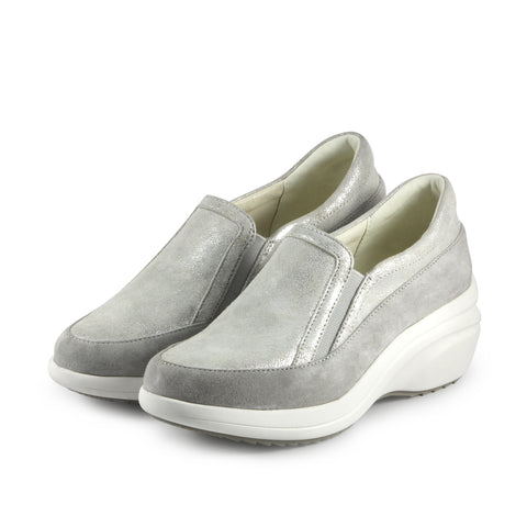 Yokohama Slip-On Sneakers (Vapor)