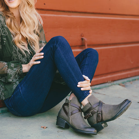Antwerpen Cross Straps Ankle Boots (Military/Coffee)