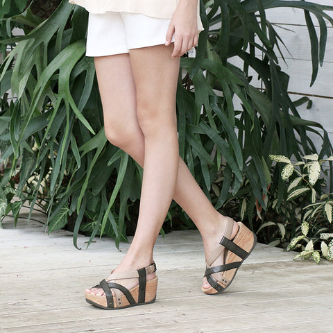 Formentera Cross Strap Flatform Sandals (Ivy/Doeskin)