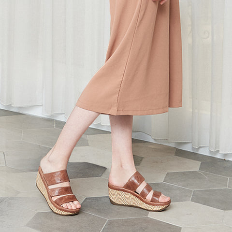 Trinidad Velcro Wedge Sandals (Camel)