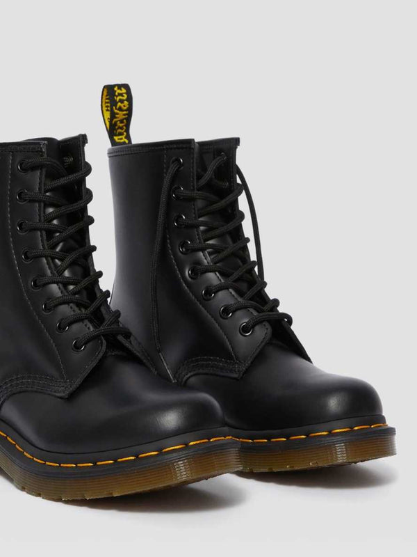 1460 W 8 Eye Boot Black