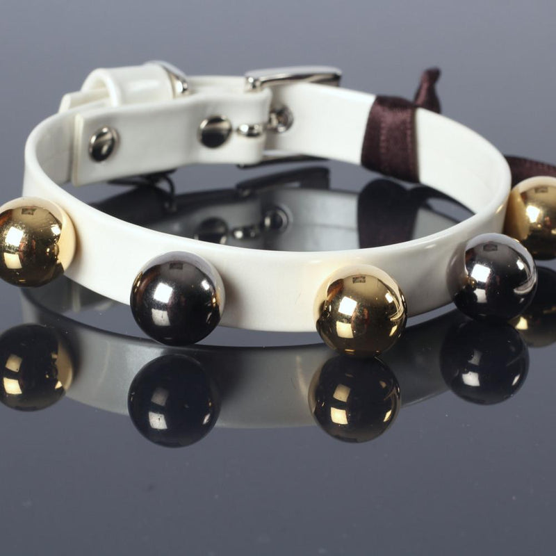 Fancy Wit Halsband met Goud Nickel Boules - Inamorada