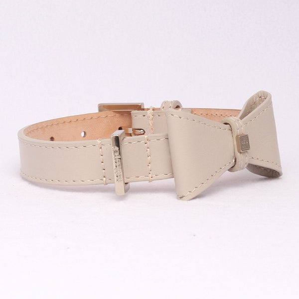 Leather Bow Halsband in Leer Beige Licht Goud - Not Too Pet