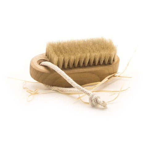 Accessories - Wooden Nail Brush - Medium With Loop - Oscura - Bath, Body & Home Fragrance