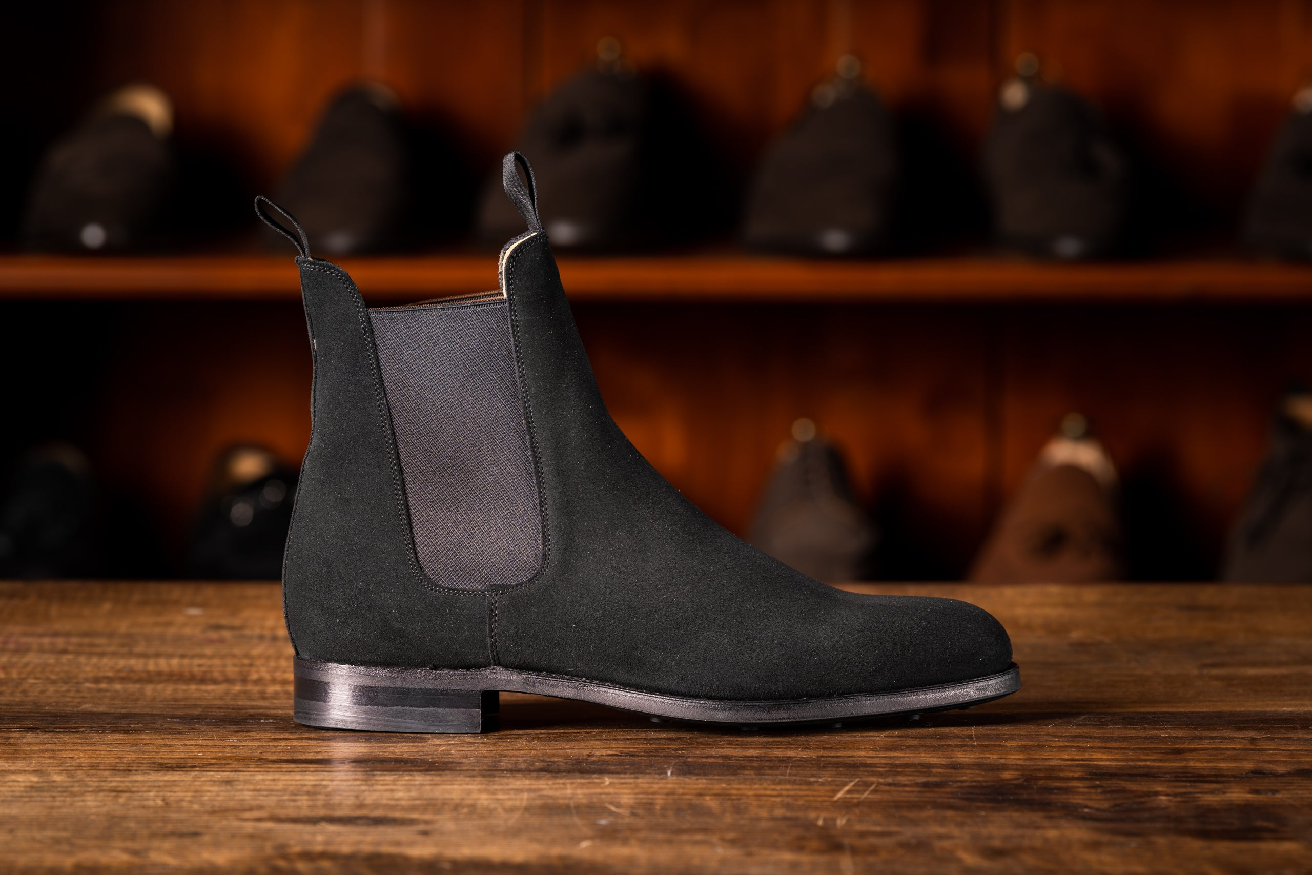 Chelsea Boot // English Suede // Schwarz // Dainite Sohle