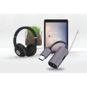 USB C to 3.5mm Audio Adapter with Charging Port