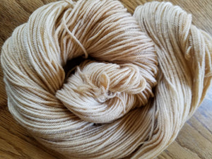 Naturally Dyed, hand dyed yarn, Tea dyed,Rosy Beige yarn, 100% Non-Superwash Merino, Sport weight