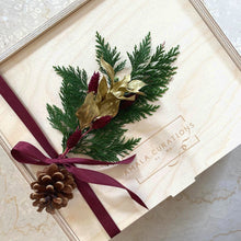 Load image into Gallery viewer, The Festive Deluxe Gift Hamper