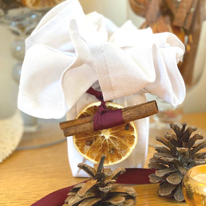 Natural Christmas Aromatherapy Candle with Cotton Wrap