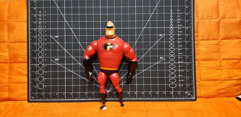 "11"" talking Mr. Incredible"