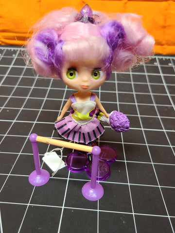 "Blythe Set ""Purple Ribbons & Twirls #B43 #2411. The package is in excellent condition!"