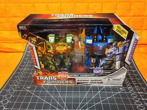 Hasbro Transformers Universe Autobot Ambush Roadbuster vs Dirge Target Exclusive