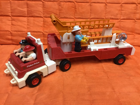 Fisher Price Fire Engine 1978 319 with figures