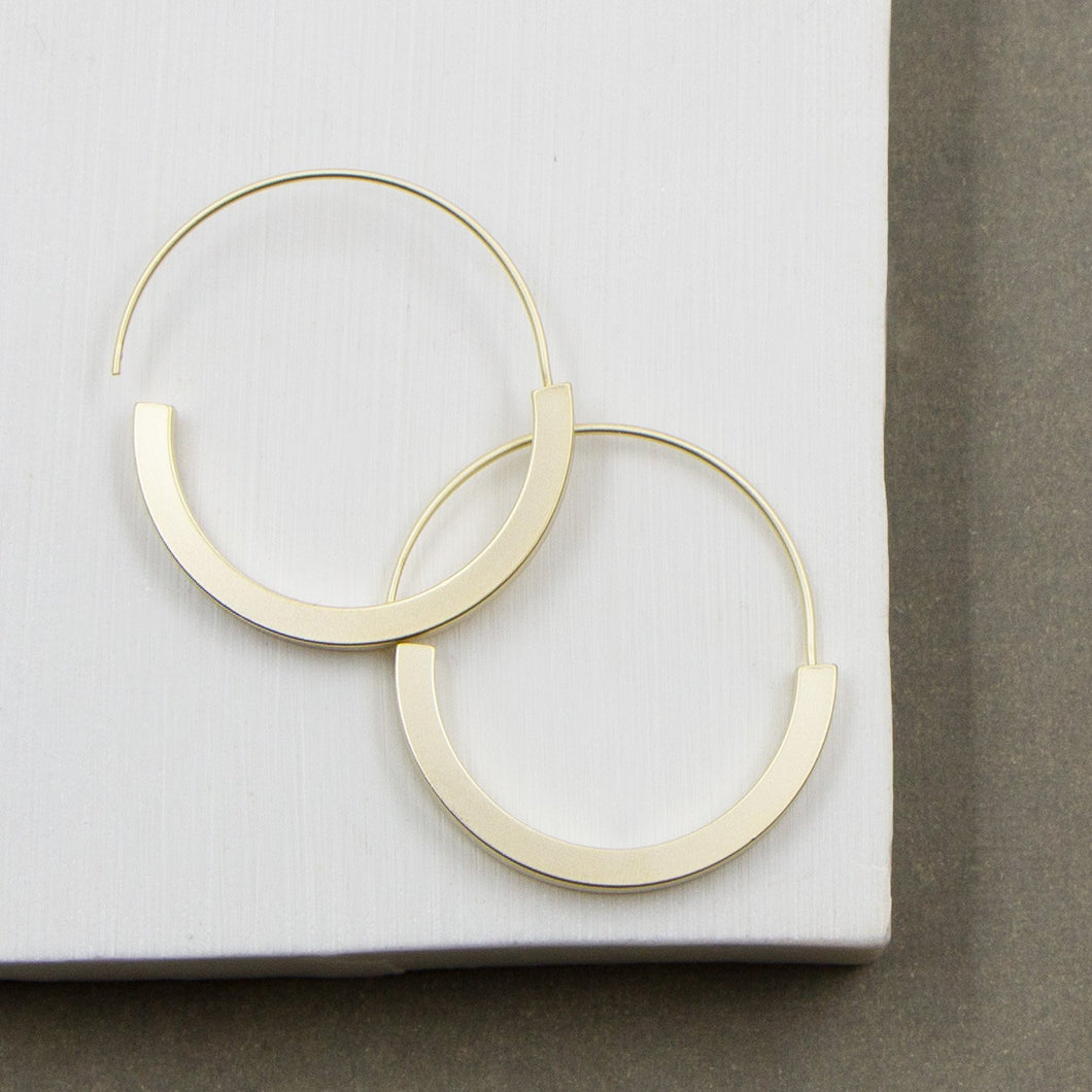 Contemporary hoops with clean edge