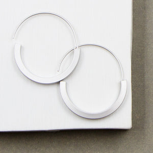 Contemporary hoops with clean sharp edge
