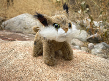 Load image into Gallery viewer, Finger Puppet: Mini Bobcat