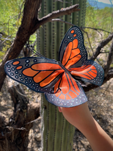 Load image into Gallery viewer, Finger Puppet: Mini Monarch Butterfly