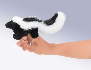 Finger Puppet: Mini Skunk