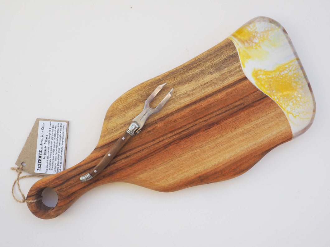 Small Paddle Cheeseboard Including knife. (CB12)