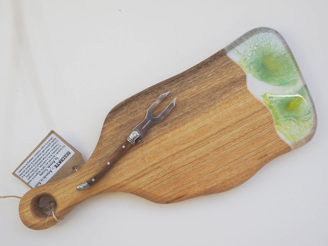 Small Paddle Cheeseboard Including knife. (CB14)