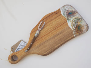 Small Paddle Cheeseboard Including knife. (CB16)