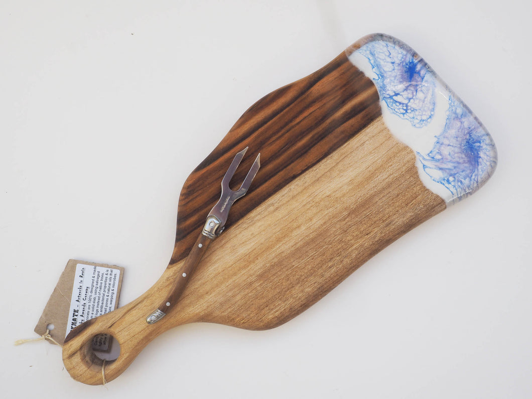 Small Paddle Cheeseboard Including knife. (CB19)