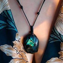 Load image into Gallery viewer, Natural Labradorite Braided Pendant (Dragon's Heart)
