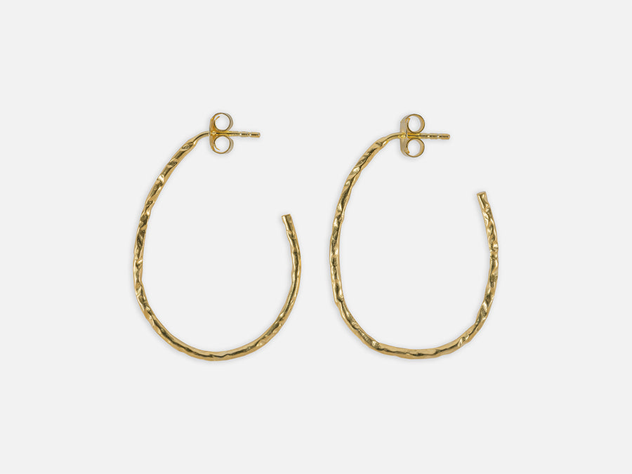 Hammered Hoops Oval // Gold