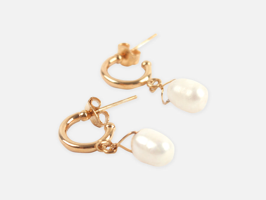 Small Earrings with Freshwater Pearl