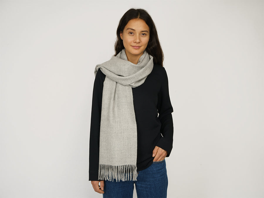 Alpaca Wool Scarf with Fringes // Light Grey