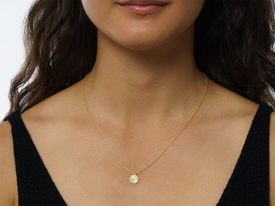 Necklace with Round Pendant // Gold