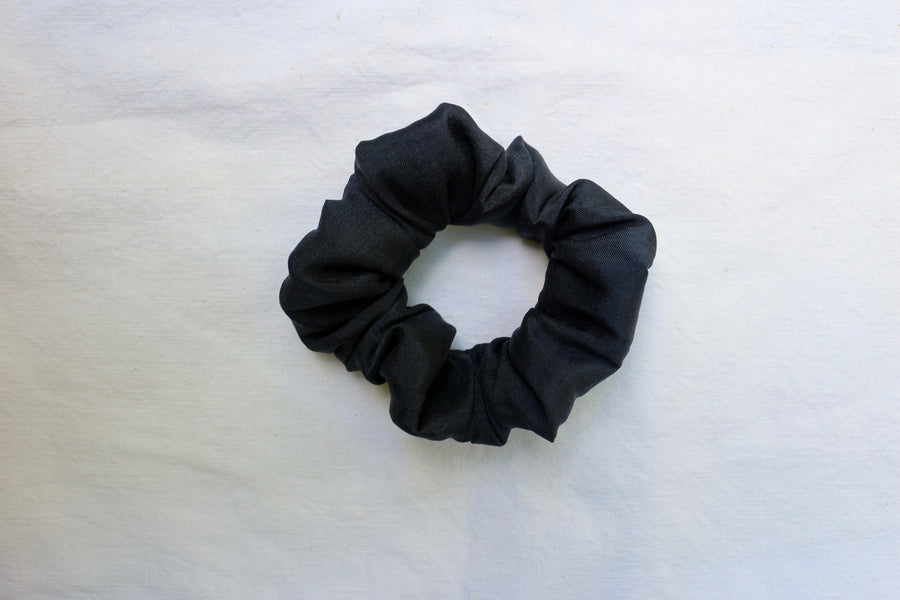 Farzana Scrunchie // dark grey-blue