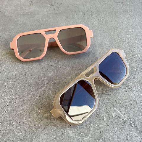 Uptown Pouch Smooth, Black/Gold