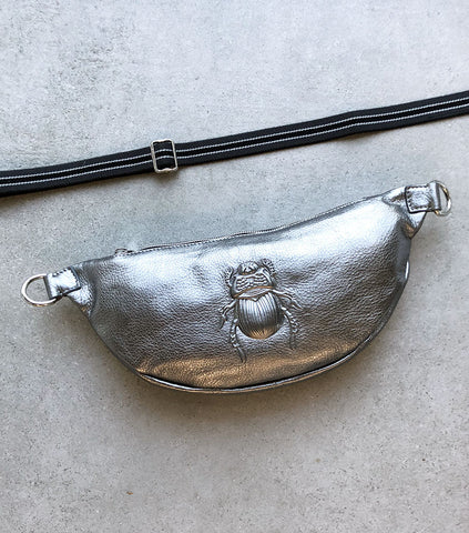 Belt Bag Scarab Medium, Platin