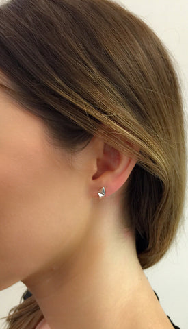 Billy Nude Earring, 14K White Gold