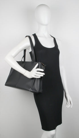 Zip Multitude Tote Vegetable Tanned, Black