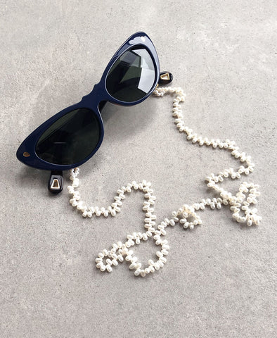 Hang Loose Eyewear Chain, White