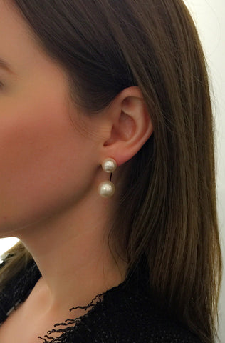 Stud Earrings w/floating pearl, Gold