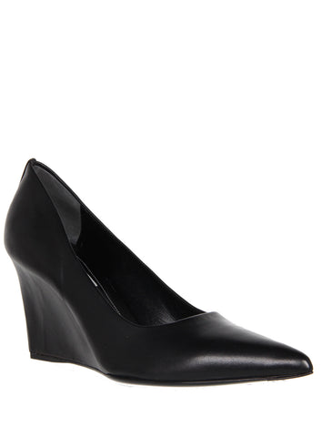 Wedge Pump Point, Black