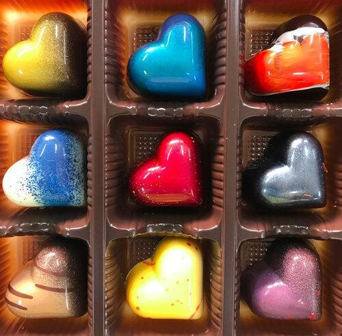 Chocolate or Caramel Heart Bonbons - Set of 9 by Dolcetta Artisan Sweets