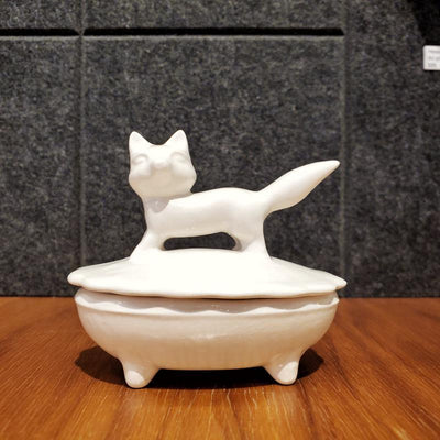 Covered Dish - Fox by Happy LA